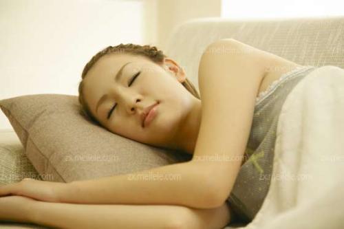 风水学告诉你,睡觉时头应该朝哪个方向!