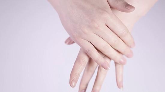 如何从手指或指甲来看一个人的病症?